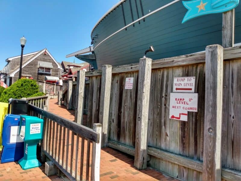 Access ramp - Schooner's Wharf - Beach Haven, New Jersey